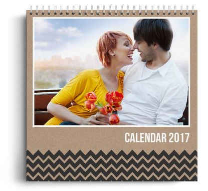 Calendar personalizat de perete